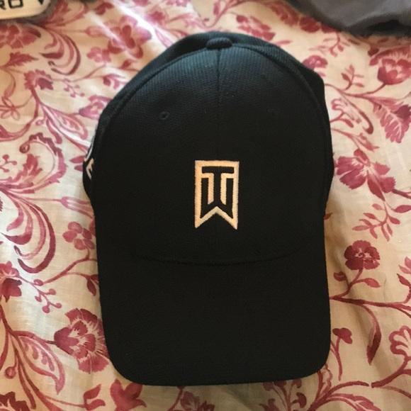 Tiger Woods Nike Hat. M 5a78c0c631a376be6ab9529b 8b11b0cb56a